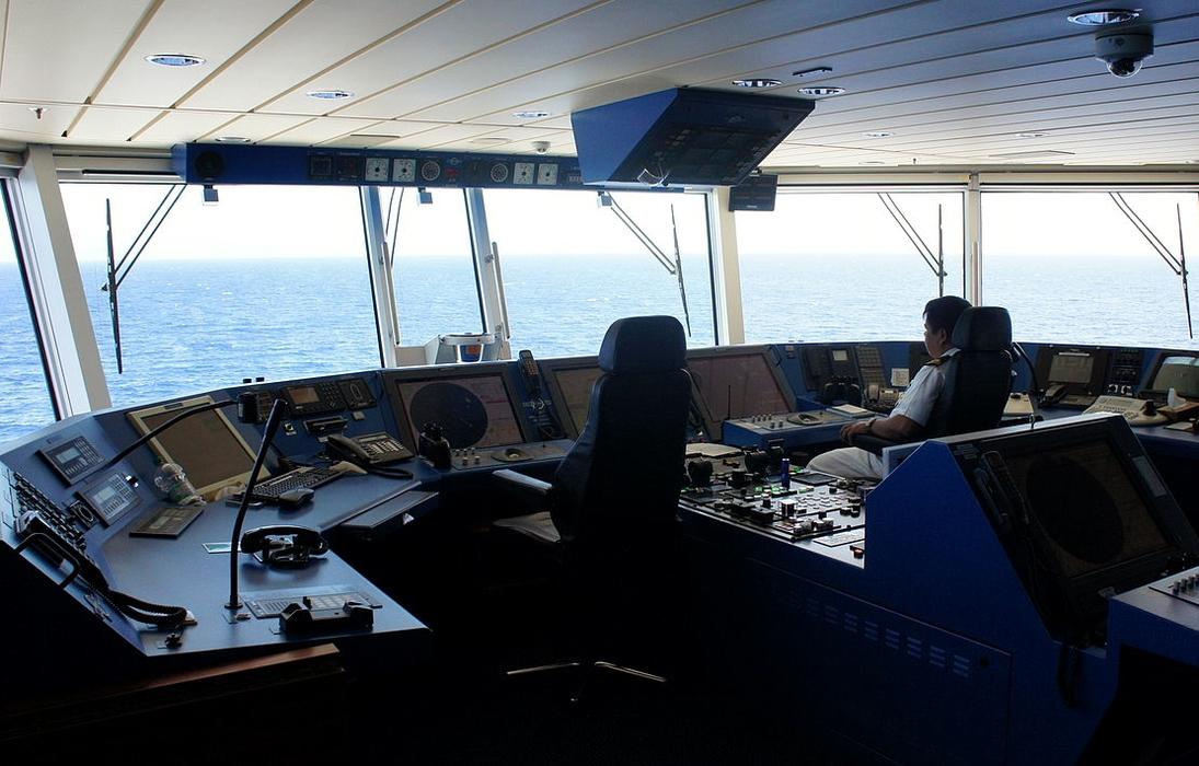 Bardzo Zarobki marynarzy – fakty i mity | PortalMorski.pl YQ-45